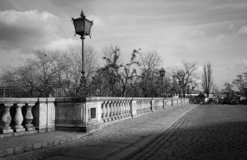 most_z_brukiem
