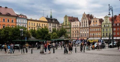 wroclaw-rynek-z-ludzmi